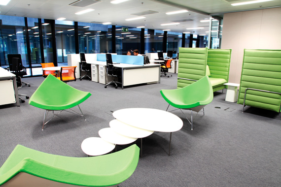 BBVA-OpenMind-Reinventing the company-New workplaces for BBVA-La Vela: informal lounges