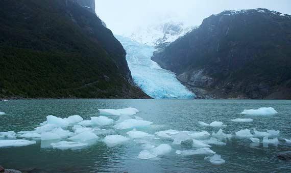 Glaciar_Balmaceda,_Patagonia