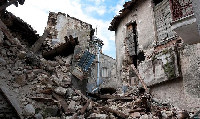 earthquake-1665870_640