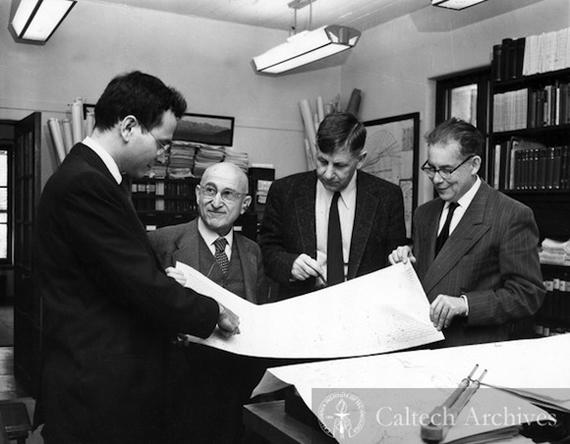 4 de los grandes sismólogos del S. XX: Frank Press, Beno Gutenberg, Hugo Benioff y Charles Richter. Fuente: Caltech Archives.