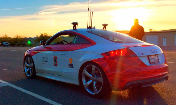 Los coches autónomos están equipados con multitud de sensores y cámaras. Crédito: Joseph Thornton/Flickr