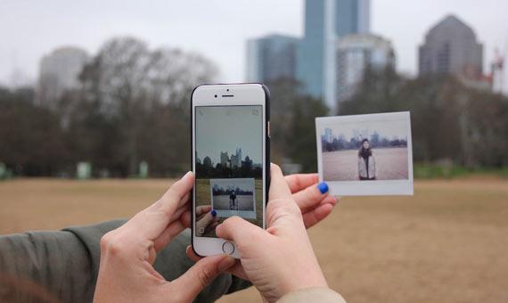 3_Polaroid