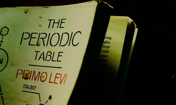 'El sistema periódico' está compuesto de 21 capítulos de historias personales vinculadas a un elemento químico. Crédito: Paul Varuni/Flickr