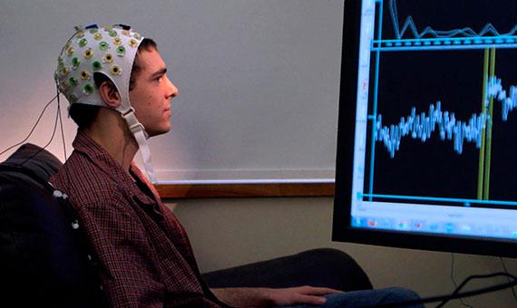 La conexión de nuestro cerebro con un ordenador se hará a través de tecnologías BIC. Crédito: Natural Science Foundation