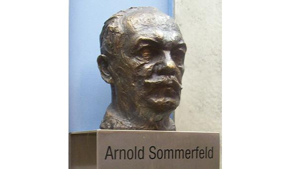 Bust of Arnold Sommerfeld in Munich, by Theodor Georgii /Image: Benutzer:Donaulustig