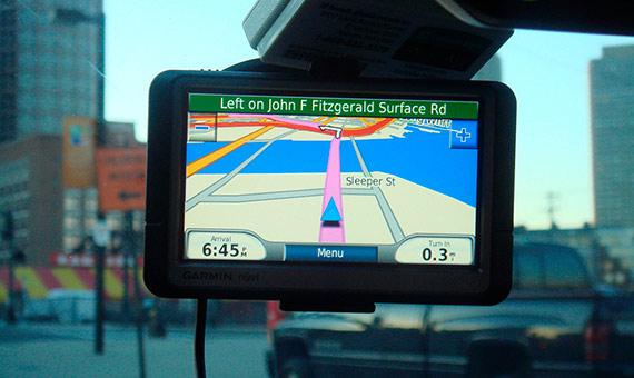 Si una ruta está bloqueada, el GPS mental puede volver a calcular el camino correcto hacia el destino, como hace el dispositivo electrónico. Crédito: Joe Gallagher