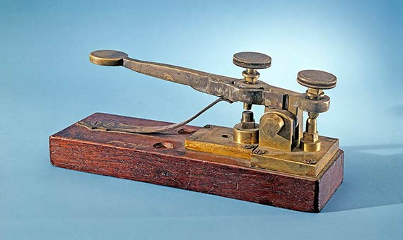 Telegraph designed by Alfred Vail for the Baltimore-Washington line. Credit: National Museum of American History Smithsonian Institution.