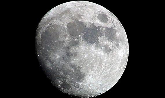 La Casa Blanca insta a la NASA a preparar el regreso a la Luna. Crédito: OldakQuill