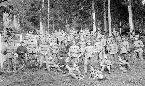 The soldiers who fought in the First World War contributed to exteneder the disease. Source: Wikimedia