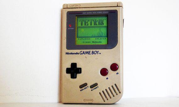 En 1989 la legendaria Game Boy incorpora al Tetris como uno de sus juegos. Crédito: Leonora Giovanazzi.