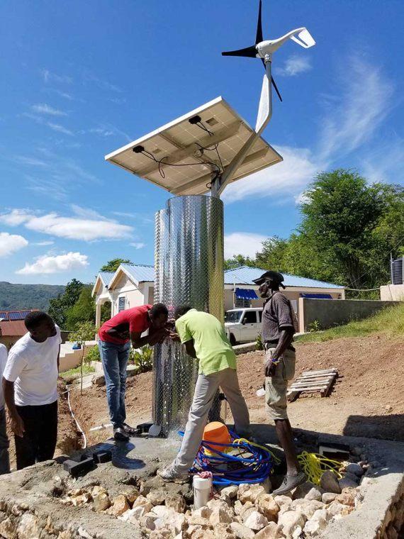 bbva-OpenMind-Innovative Water Technologies-Actaulizacion_soluciones_agua_2-El SunSpring Hybrid es una estación autosuficiente alimentada por energía solar y eólica que filtra el agua. Crédito: Innovative Water Technologies