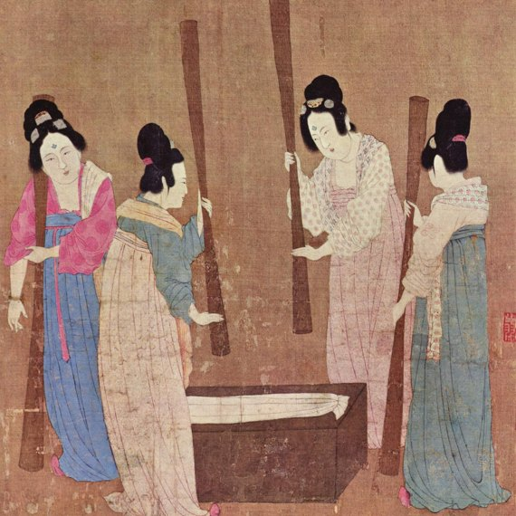 BBVA-OpenMind-MAteria-Ruta seda 3-Court ladies preparing newly woven silk. Source: Wikimedia