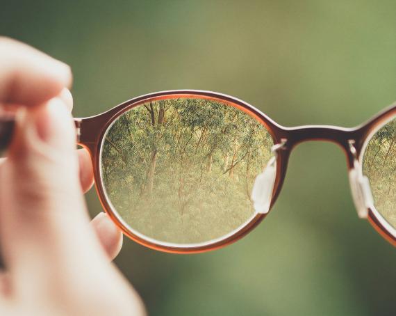 BBVA-OpenMind-Sandra Magro-industria del cine y sostenibilidad-gafas de la ecologia