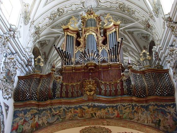 En el estudio de la arquitectura de las iglesias se han descubierto numerosas técnicas para mejorar la acústica. Fuente: wikipedia