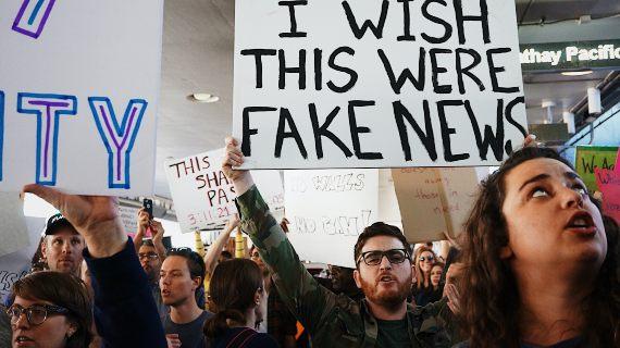 BBVA-OpeMind-Jose Enebral-osverdad fake news-kayla-velasquez-Protesta contra la prohibición musulmana de Trump. Fuente: Unsplash
