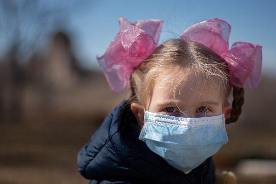 Efectos mentales de la pandemia-Según un estudio, los niños en confinamiento han experimentado cambios emocionales y de conducta. Crédito: https://www.vperemen.com