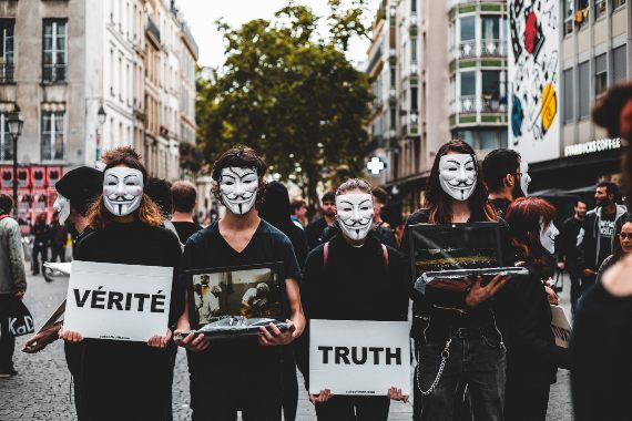 BBVA-OpenMind-Jose Enebral-posverdad-buchen-wang-The post-truth