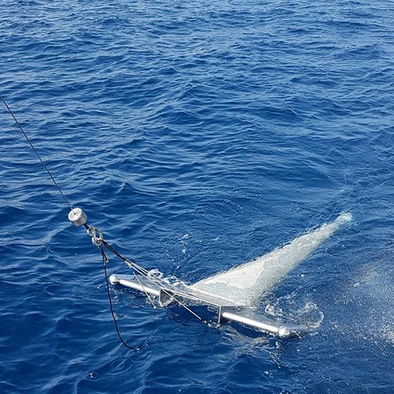 Investigaciones como las de la UB en el Mediterráneo han descubierto la presencia en los lechos marinos de grandes cantidades de microplásticos. Crédito: Universidad de Barcelona