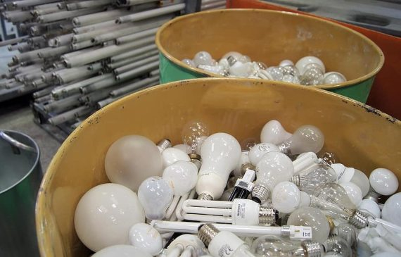 BBVA-OpenMind-Materia-El origen y los mitos de la obsolescencia programada 3-En 1924, los fabricantes de bombillas establecieron un estándar de duración de sus productos. Fuente: Pikist