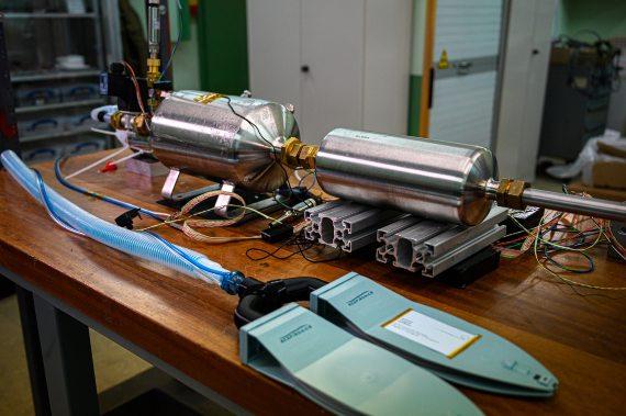BBVA-OpenMind-El mundo tras la pandemia la ciencia se hace más Interdisciplinar 3-Físicos e ingenieros del CERN han creado el HEV, un respirador de bajo coste concebido para operar con baterías. Crédito: CERN-Science More Interdisciplinary
