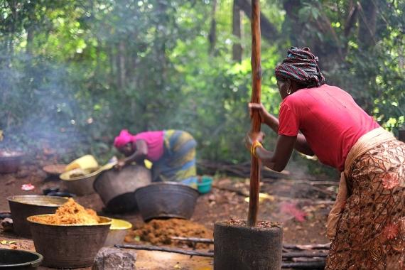Boicotear el aceite de palma tiene también impactos socioeconómicos para los países en desarrollo donde se produce. Crédito: Uzabiaga-Boicotear el aceite de palma tiene también impactos socioeconómicos para los países en desarrollo donde se produce. Crédito: Uzabiaga