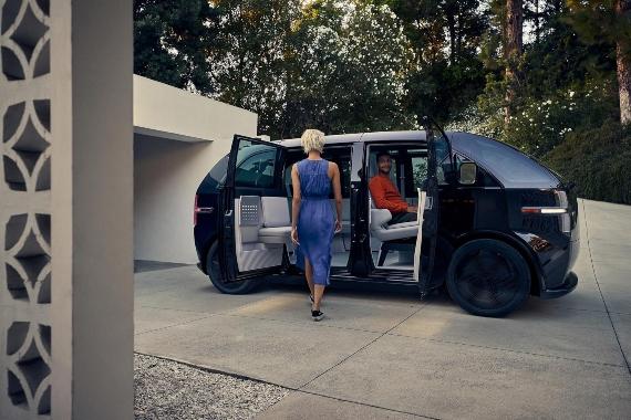 BBVA-OpenMind-Materia-Cinco tecnologías a tener en cuenta en 2021-Tecnologia 2021-5-Canoo ofrece suscripciones mensuales a sus vehículos eléctricos de siete plazas. Crédito: Canoo