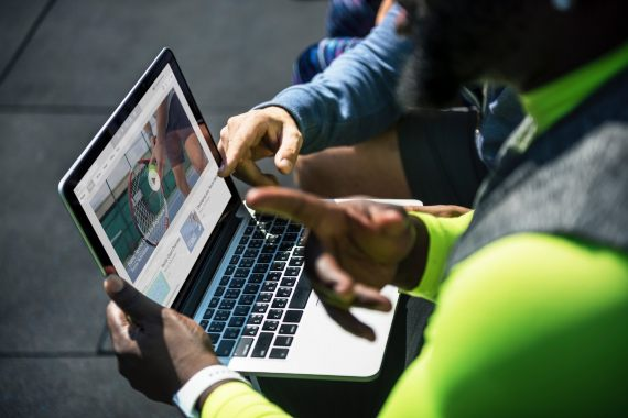 BBVA-OpenMind-Yanes-Cómo practicar un teletrabajo online más sostenible-5-La visualización de vídeos online es una de las actividades digitales con mayor impacto ambiental. Fuente: PH